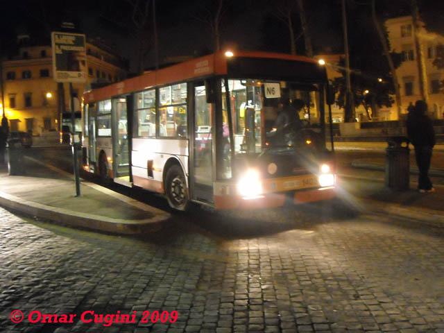 Sulla linea n6 (e prima ancora sul 99N) han terminato la loro breve carriera romana i BMB 230MU: nella foto la 1405 in Piazza Venezia