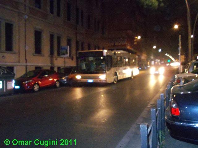 Vettura 5200 sulla linea n1 in transito per Via Appia Nuova